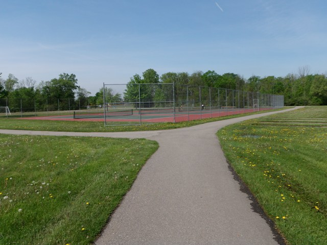 Paved Trails Bicentennial Park