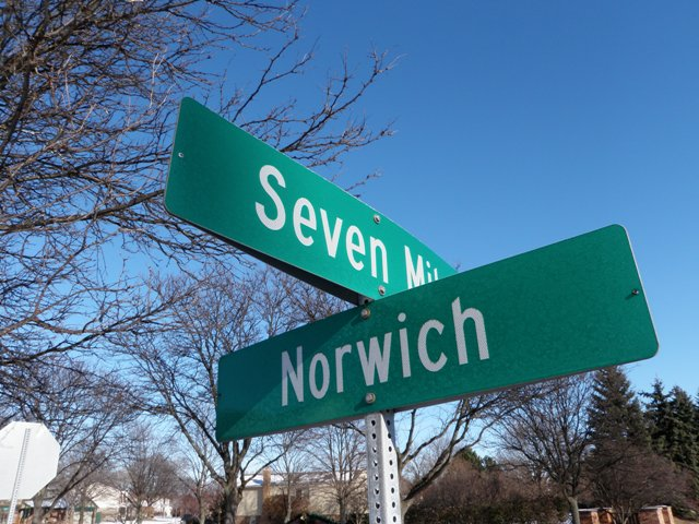 Street Sign of Seven Mile and Norwich in Livonia Michigan