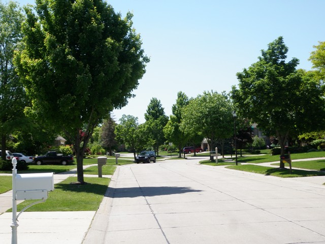 Deer Creek Livonia Michigan Street Views